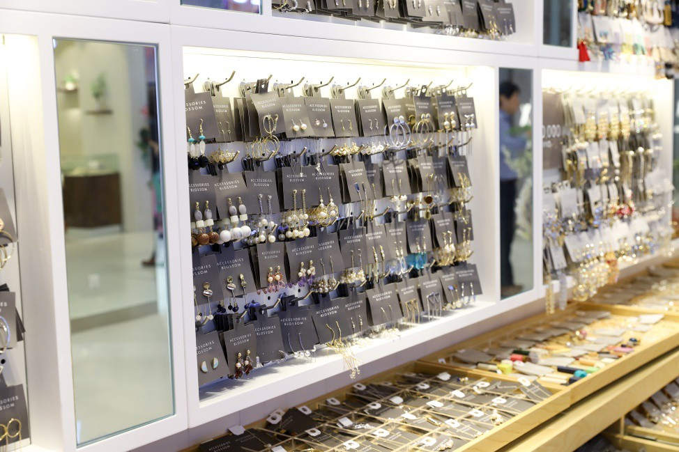 Thương hiệu trang sức Nhật lần đầu mở cửa tại TP.HCM - Ảnh 4.