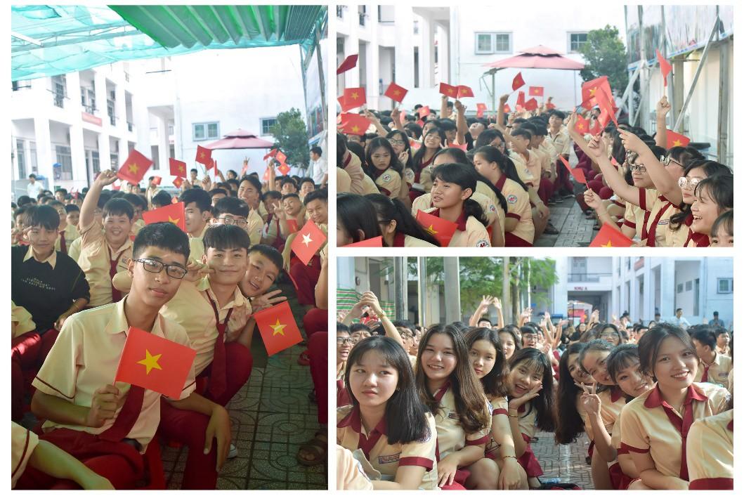 """Lễ khai giảng """"vui hết cỡ"""" của teen Mỹ Việt TP.HCM - Ảnh 2."""