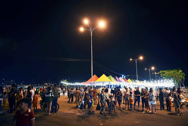 Vừa khai trương, chợ đêm Ha Tien Night Market bất ngờ lọt top điểm đến hấp dẫn phía Nam - Ảnh 5.