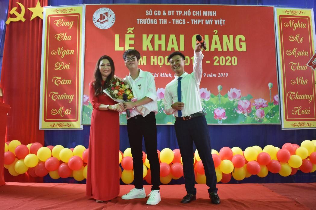 """Lễ khai giảng """"vui hết cỡ"""" của teen Mỹ Việt TP.HCM - Ảnh 7."""