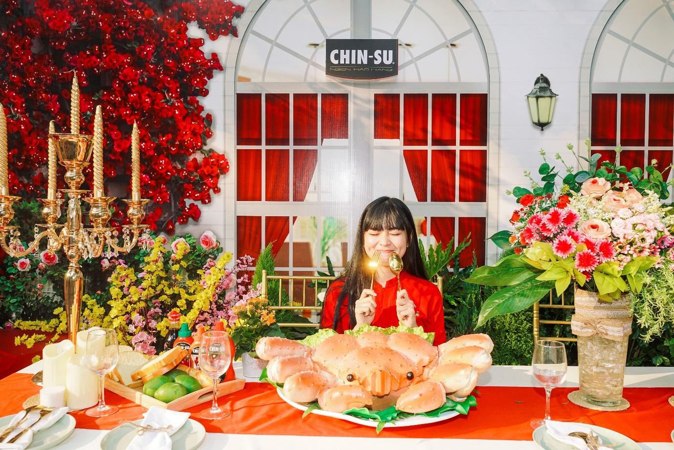 Xuýt xoa với loạt ảnh hot girl Mắt Biếc check-in với các siêu phẩm siêu to khổng lồ tại Góc Phố Xuân 2020 - Ảnh 3.