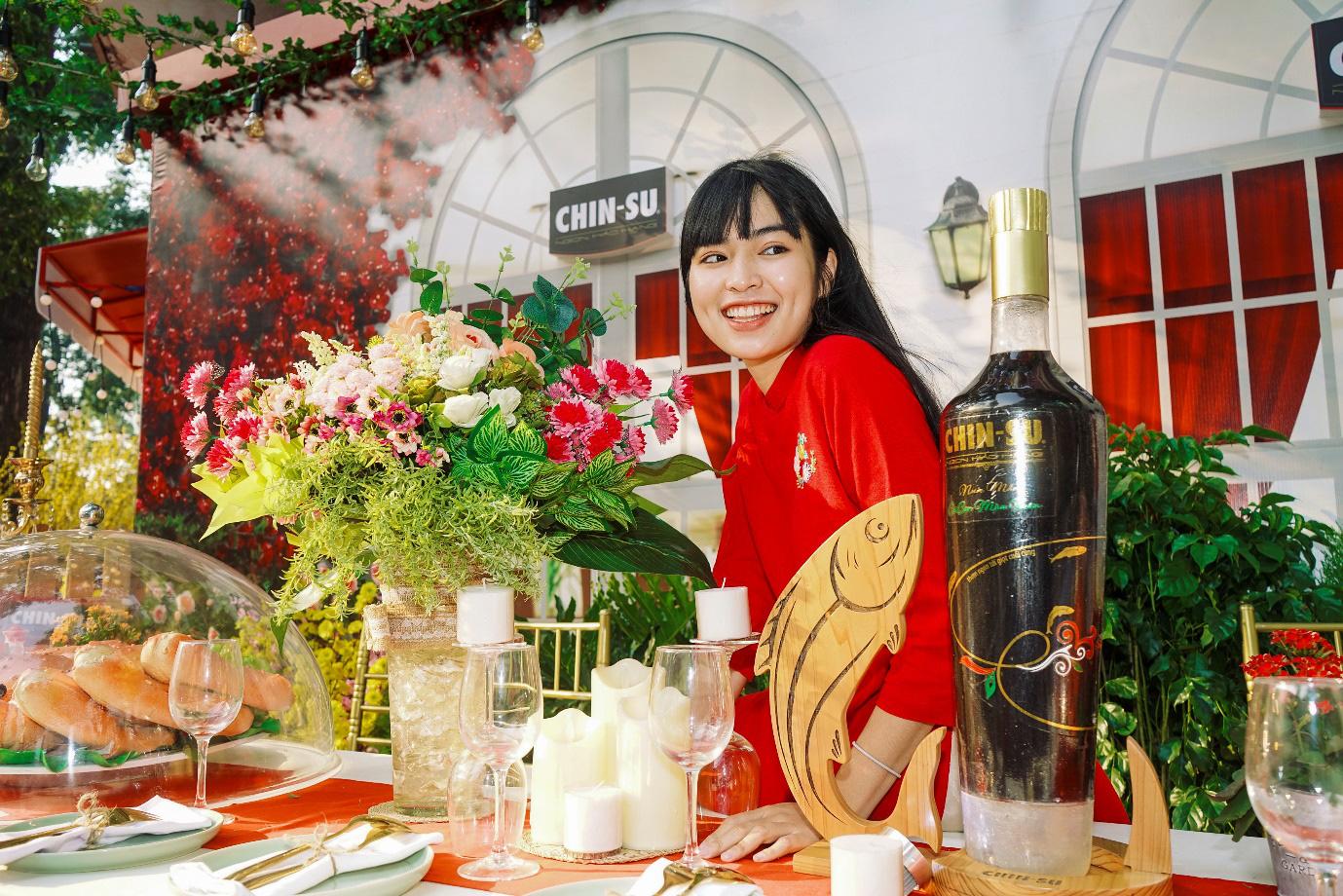 Xuýt xoa với loạt ảnh hot girl Mắt Biếc check-in với các siêu phẩm siêu to khổng lồ tại Góc Phố Xuân 2020 - Ảnh 4.