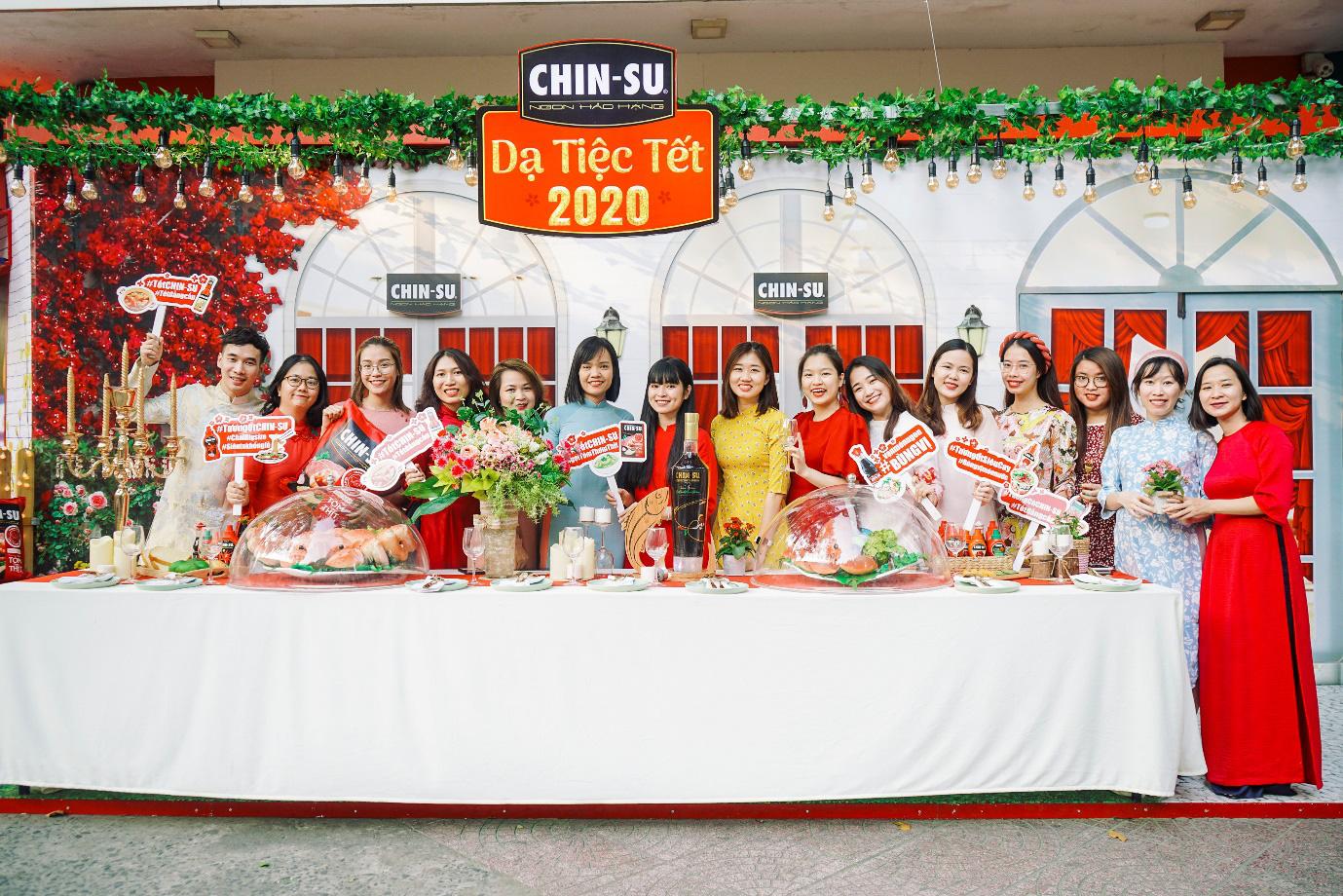 Xuýt xoa với loạt ảnh hot girl Mắt Biếc check-in với các siêu phẩm siêu to khổng lồ tại Góc Phố Xuân 2020 - Ảnh 5.