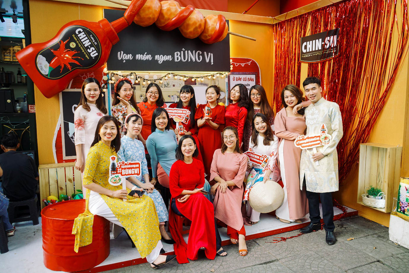 Xuýt xoa với loạt ảnh hot girl Mắt Biếc check-in với các siêu phẩm siêu to khổng lồ tại Góc Phố Xuân 2020 - Ảnh 7.