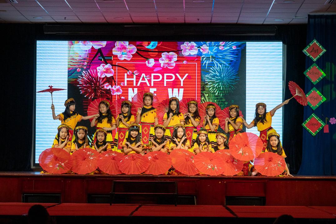 Các bạn nhỏ trường BIS Hà Nội siêu đáng yêu trong MV mừng xuân Canh Tý 2020 cùng với ca sĩ Mỹ Dung - Ảnh 4.