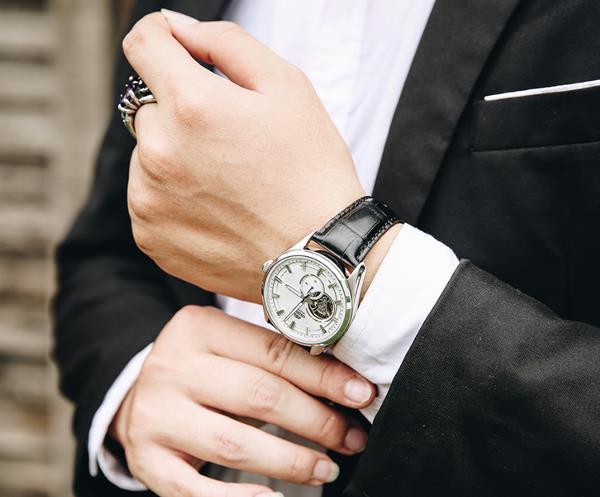 Điểm danh 5 mẫu đồng hồ nam lộ cơ đẹp xuất sắc tại Galle Watch - Ảnh 2.