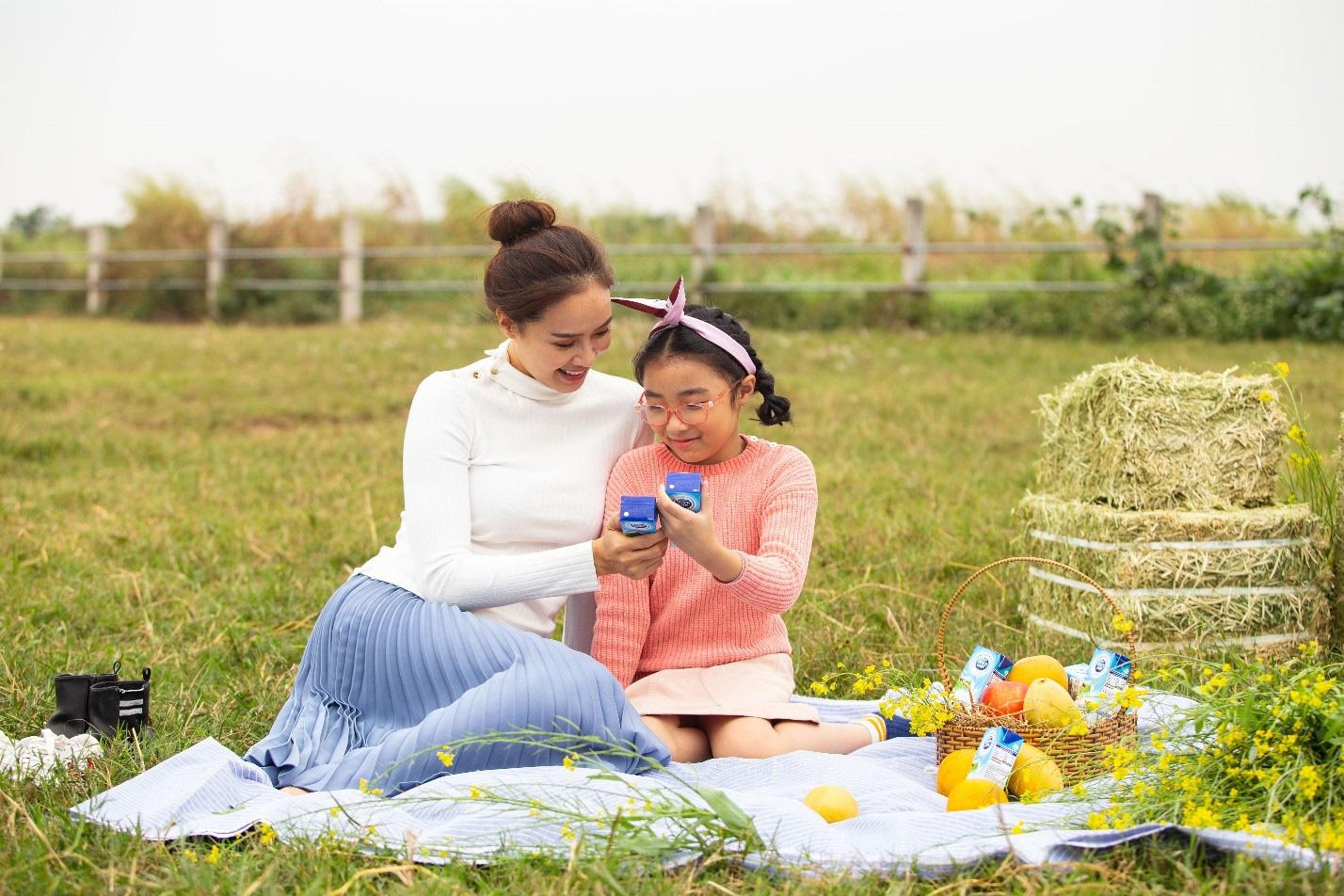 """Xuất hành đầu năm cùng mẹ con Hồng Diễm: Tìm hiểu quy chuẩn chất lượng tại """"đại bản doanh"""" Cô Gái Hà Lan - Ảnh 8."""