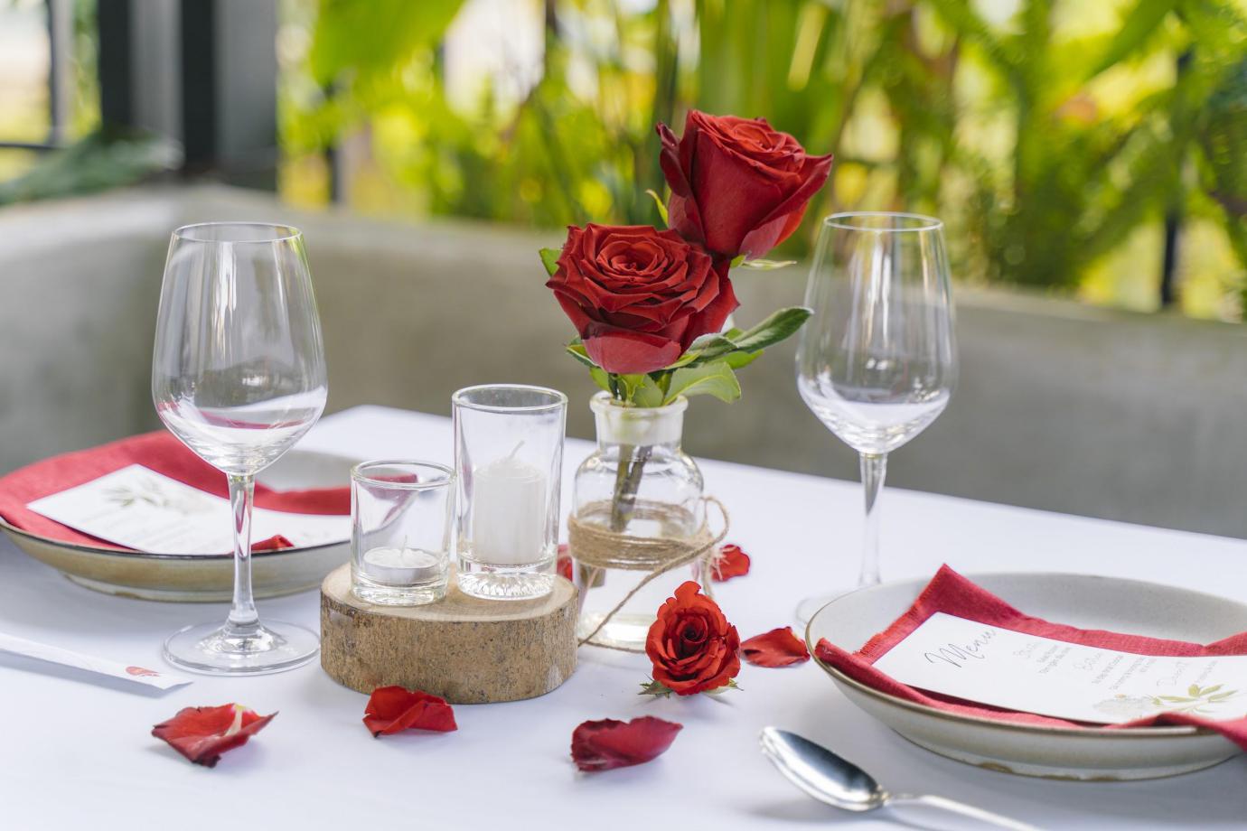 Hé lộ không gian lãng mạn cho cặp đôi dịp Valentine tại Sài Gòn - Ảnh 2.