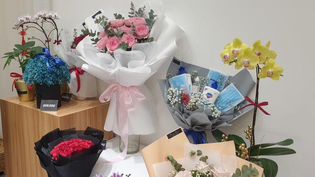 Valentine mùa dịch Corona: Bí quyết chọn quà để trở thành người yêu nhà người ta - ảnh 1