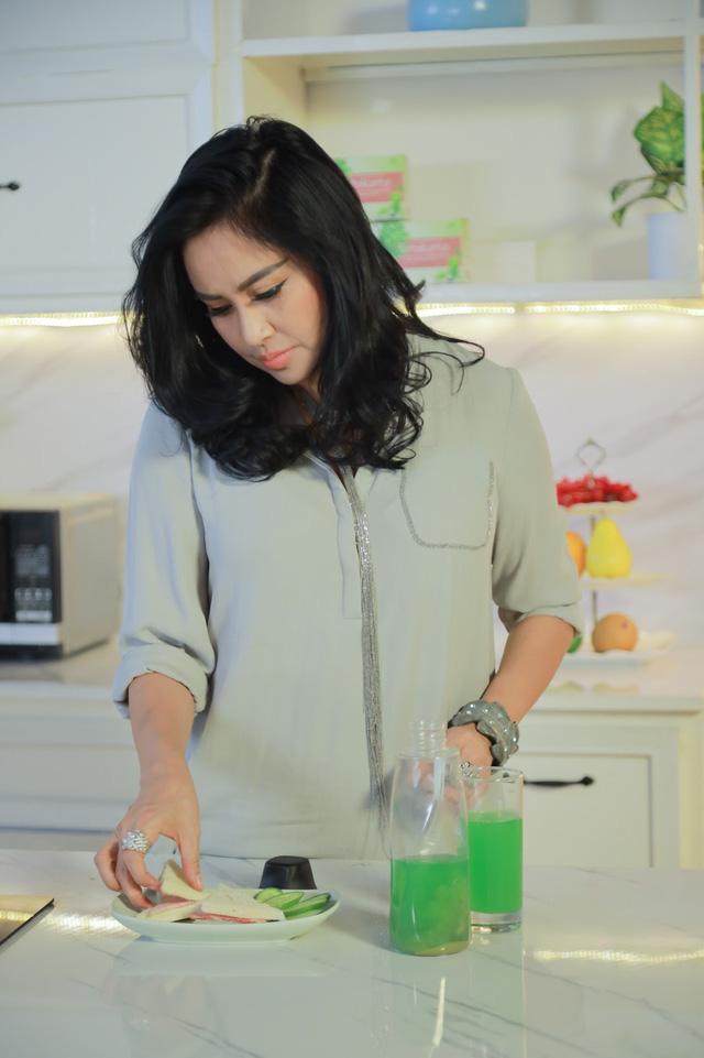 Lật tẩy bí quyết giữ gìn nhan sắc vượt thời gian của Diva Thanh Lam - Ảnh 1.