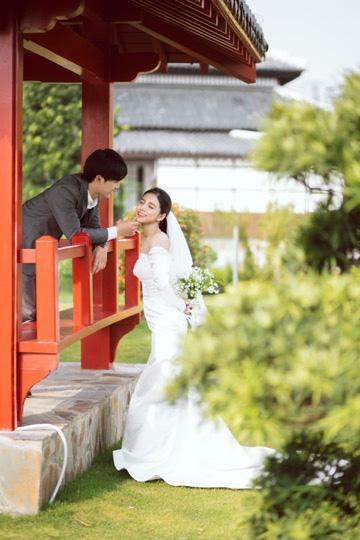 Ngất ngây bộ ảnh cưới đẹp như mơ tại vườn Nhật Bản Vinhomes Smart City - Ảnh 9.