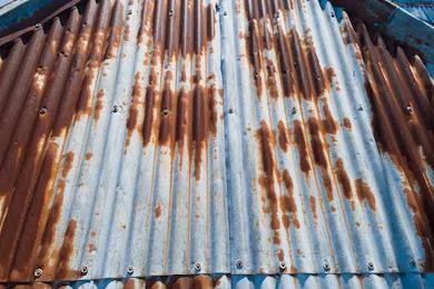 Giải pháp chống rỉ sét hiệu quả cho mái nhà tôn lạnh - Ảnh 1.