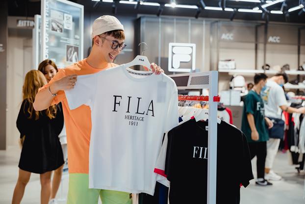 FILA mở cửa hàng tại Hà Nội, thỏa mãn khát khao thời trang đường phố của giới trẻ Hà Thành - Ảnh 3.