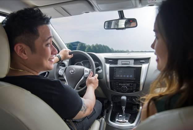 Theo chân diễn viên Minh Tiệp ngày cuối tuần với Nissan Navara Premium R - Ảnh 1.