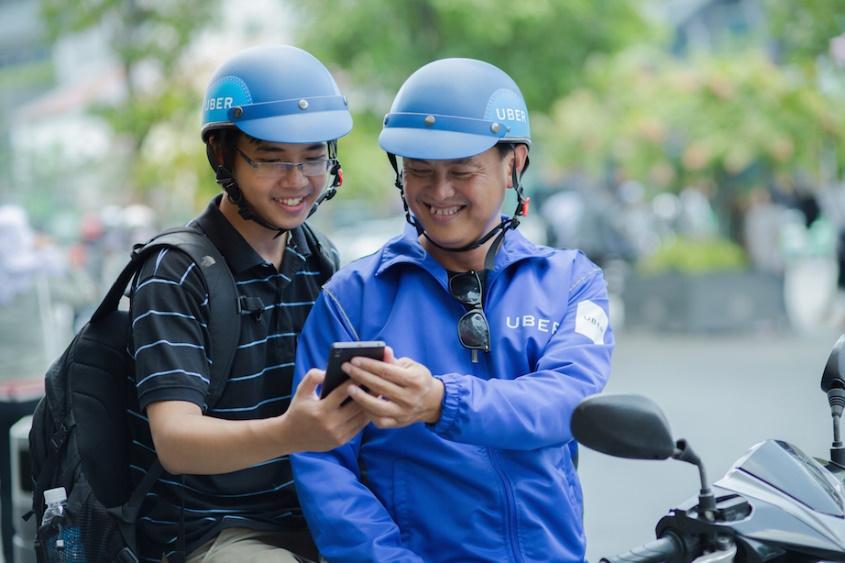 """Giám đốc Uber Việt Nam: """"Chúng tôi muốn tiên phong dành tặng một ngày để tri ân cộng động tài xế công nghệ"""""""