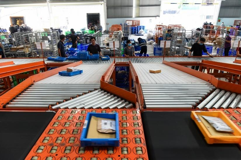 Lazada chính thức ra mắthệ thống phân loại hàng hóa tự động tại Việt Nam
