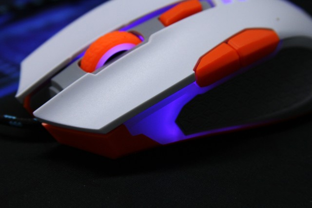Hiệu ứng đèn trang trí của Newmen GX5-plus