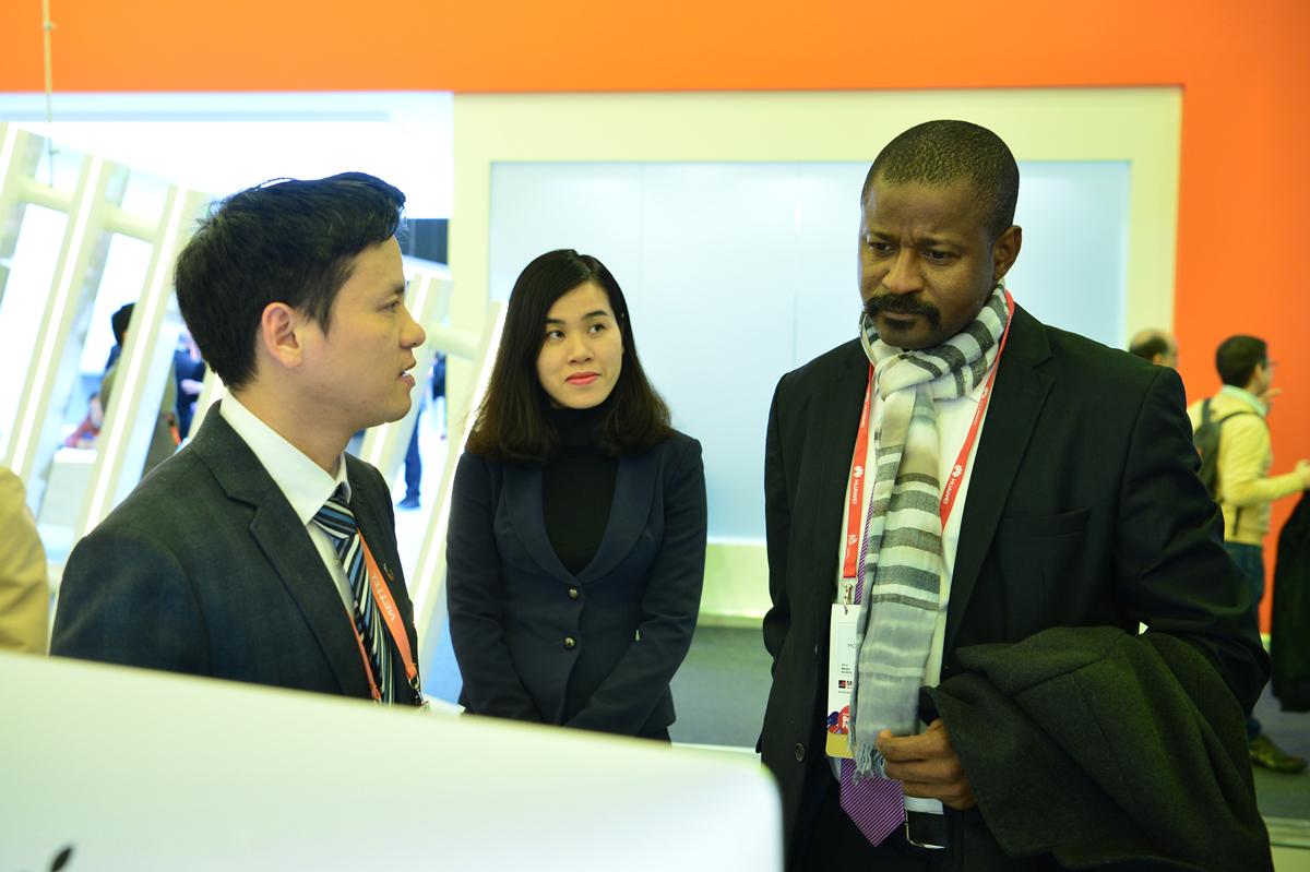 Viettel đem đến MWC 2018 những sản phẩm công nghệ 4.0 vượt xa sự mong đợi của đối tác - Ảnh 9.
