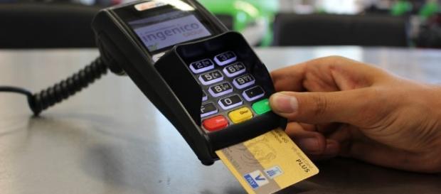 Nguy cơ bị ăn trộm thông tin thẻ tín dụng hoàn toàn có thể được giải quyết nhờ Samsung Pay - Ảnh 1.