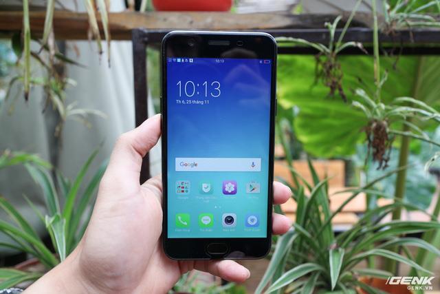 Cùng nhìn lại lịch sử màn hình smartphone tầm trung để thấy màn hình giọt nước trên Oppo F9 ưu việt thế nào - Ảnh 3.