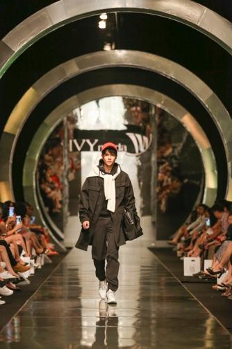 Luôn đi đầu các trào lưu xu hướng, IVY moda tấn công thị trường quốc tế trong thời gian gần - Ảnh 4.