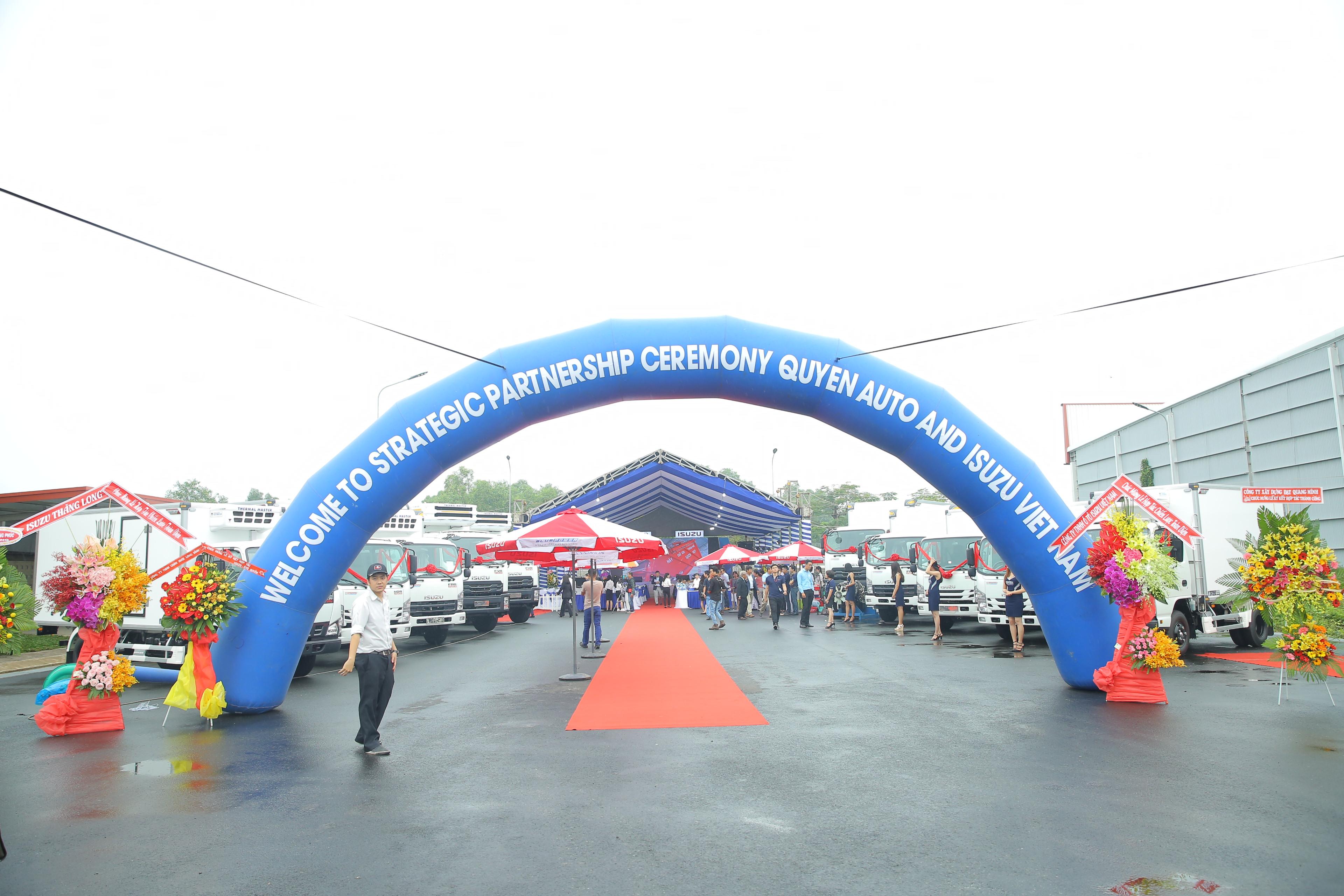 Isuzu Việt Nam hợp tác chiến lược toàn diện cùng Quyền Auto