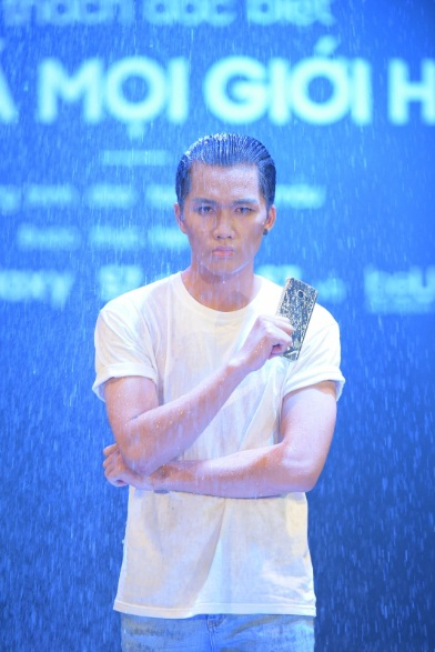 Siêu phẩm Samsung Galaxy S7 Edge khoe dáng dưới mưa - Ảnh 7.