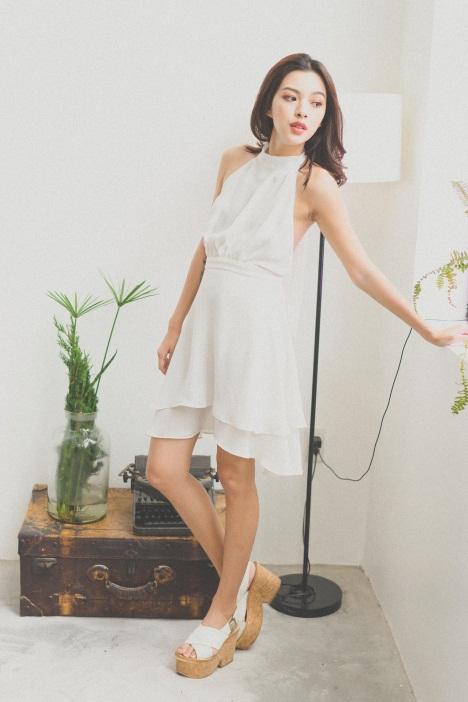 Tú Hảo biến hóa đẹp lạ trong trang phục hè nhiệt đới - Ảnh 2.