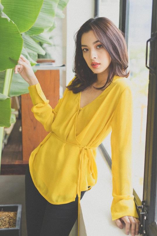 Tú Hảo biến hóa đẹp lạ trong trang phục hè nhiệt đới - Ảnh 5.