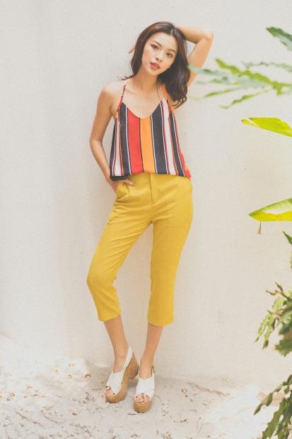 Tú Hảo biến hóa đẹp lạ trong trang phục hè nhiệt đới - Ảnh 9.