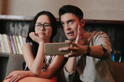 Choáng với trình selfie sống ảo của Kai Đinh & Ê kíp MV Điều buồn nhất - Ảnh 2.