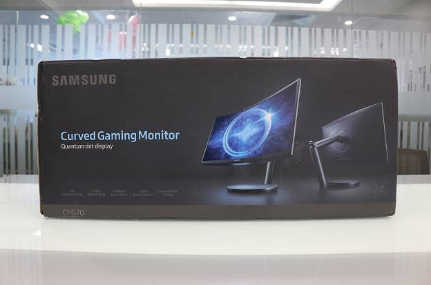 Đập hộp màn hình máy tính chơi game đang hot hiện nay: Samsung CFG70 - Ảnh 1.