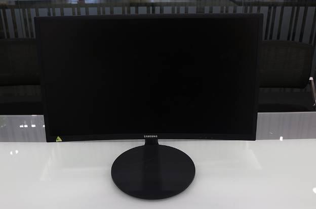Đập hộp màn hình máy tính chơi game đang hot hiện nay: Samsung CFG70 - Ảnh 7.