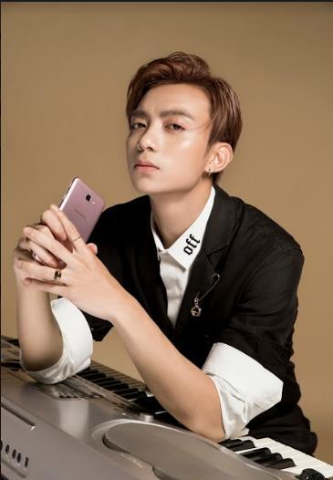 Zoom vào phong cách âm nhạc và triết lý đổi mới sáng tạo của Soobin, bạn sẽ hiểu vì sao anh ấy chọn Galaxy J7 Prime - Ảnh 4.
