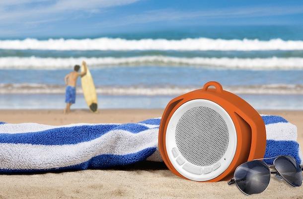 Chuyến đi biển sẽ nhàm chán biết bao nếu thiếu 5 phụ kiện công nghệ sành điệu này - Ảnh 2.