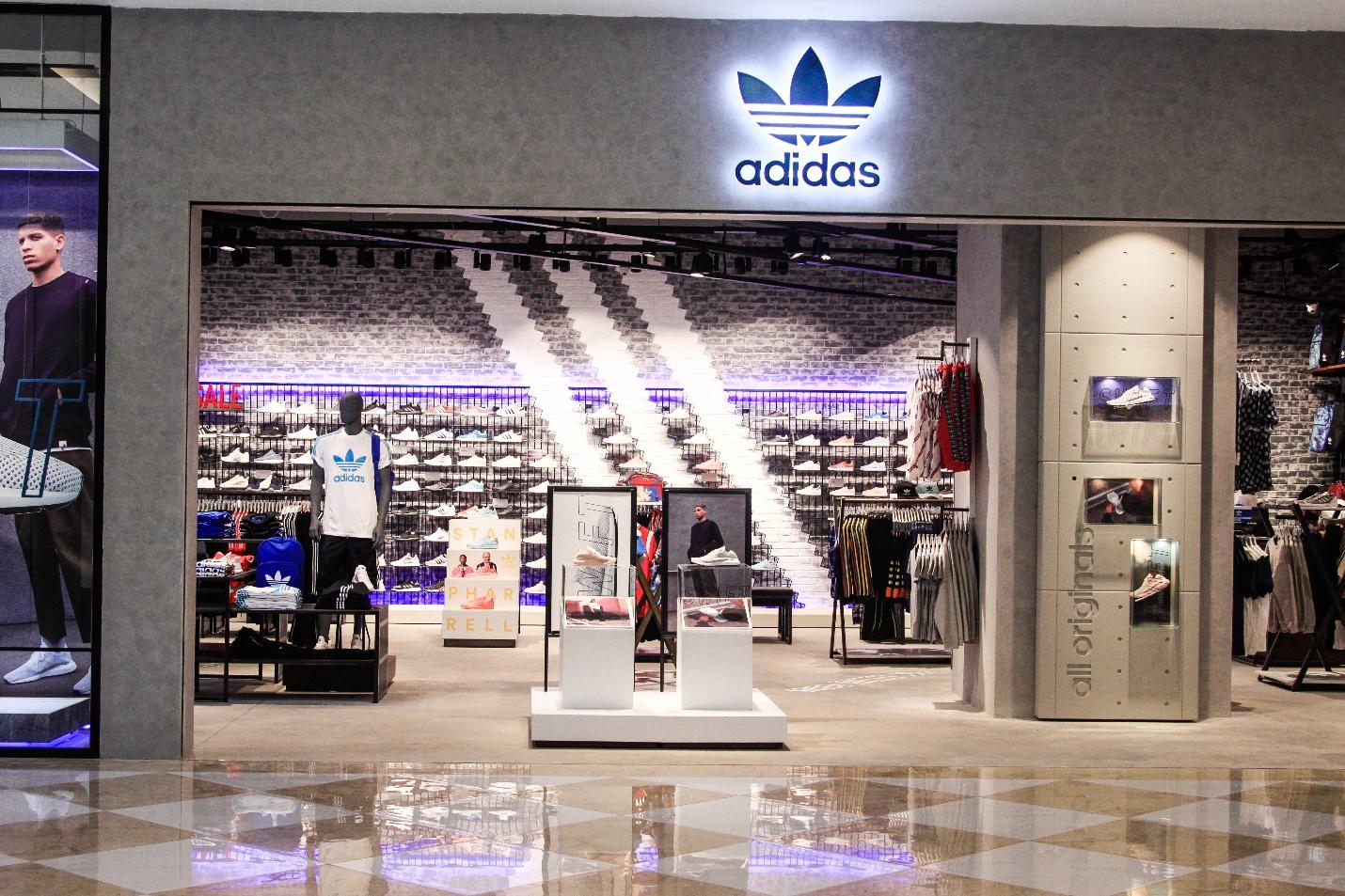 Kết quả hình ảnh cho cửa hàng adidas