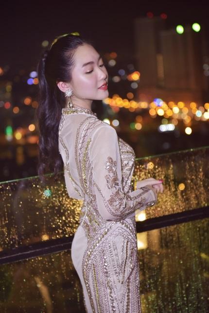 Những chiếc đầm dạ tiệc mà hot girl Việt chấp nhận mặc đụng hàng - Ảnh 1.