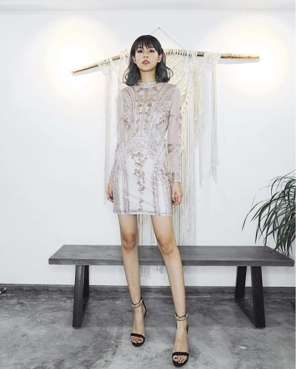 Những chiếc đầm dạ tiệc mà hot girl Việt chấp nhận mặc đụng hàng - Ảnh 2.