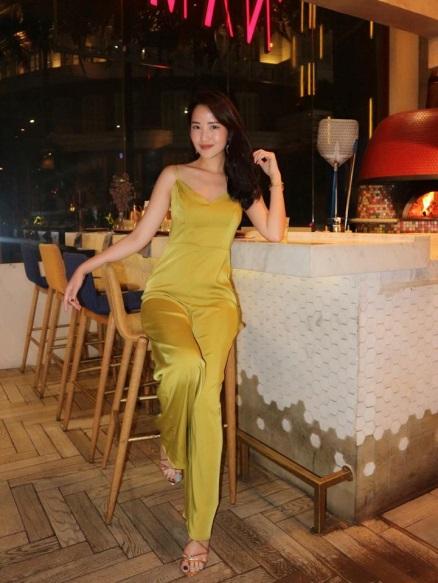 Những chiếc đầm dạ tiệc mà hot girl Việt chấp nhận mặc đụng hàng - Ảnh 6.