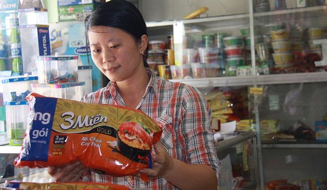 Thực phẩm đóng gói Việt giành lại thị trường nông thôn