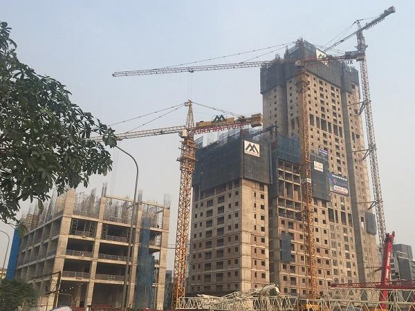 Tòa nhà A - Happy Tower của dự án Hanoi Paragon đã chính thức cất nóc.