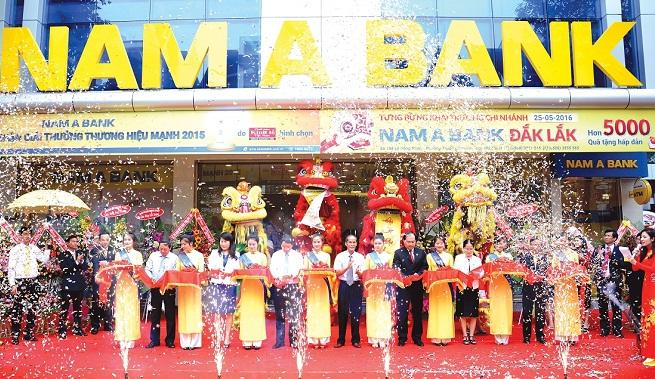 Nam A Bank trong cuộc đua mở rộng mạng lưới và đồng bộ hóa hình ảnh thương hiệu