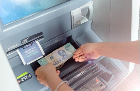 Máy CDM của Ngân hàng số vừa có tác dụng nạp và rút tiền, không cần đến quầy giao dịch và ký giấy.