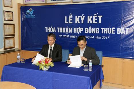 Lễ ký thỏa thuận hợp đồng thuê đất tại KCN Tân Tạo tháng 4/2017.