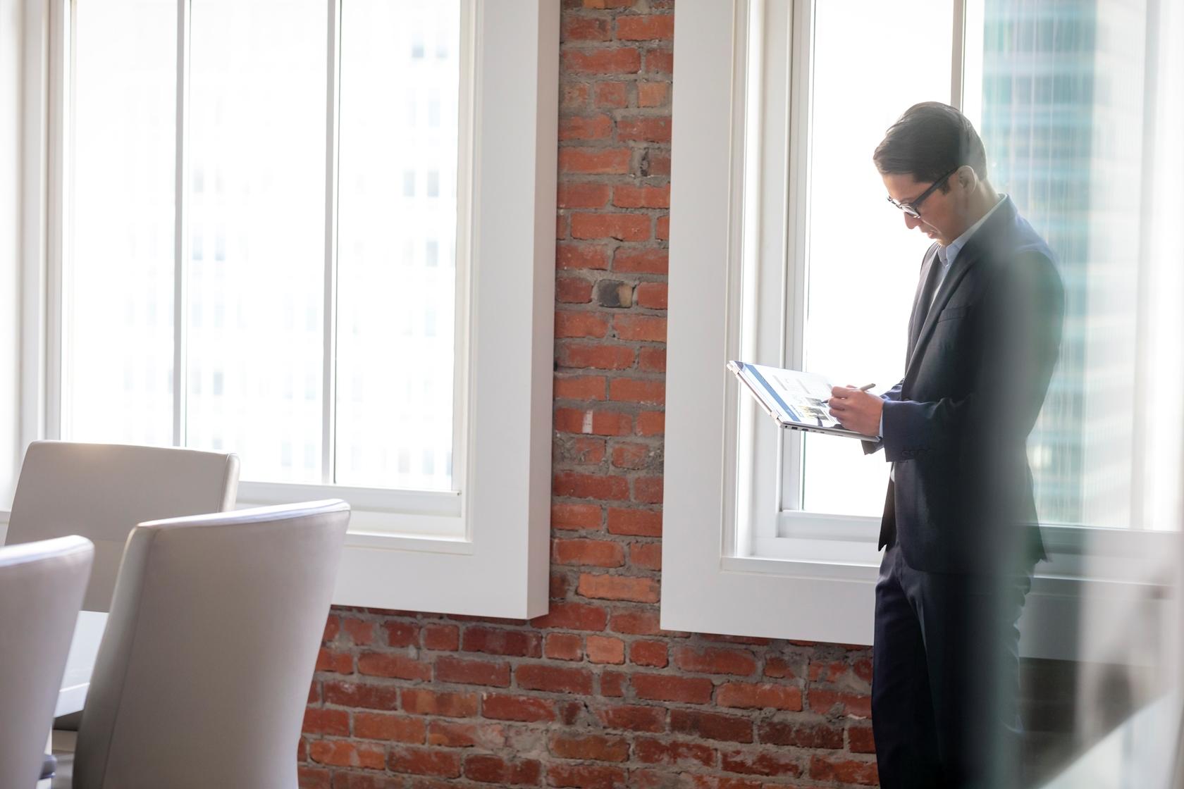 HP EliteBook x360 1030 G2 - Máy tính đa chế độ dòng doanh nghiệp mỏng và bảo mật nhất thế giới.