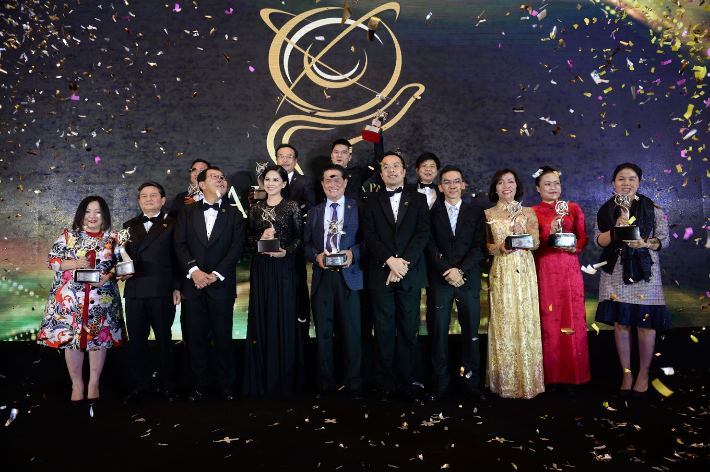 14 nhà lãnh đạo doanh nghiệp nổi bật nhận giải thưởng APEA 2017.