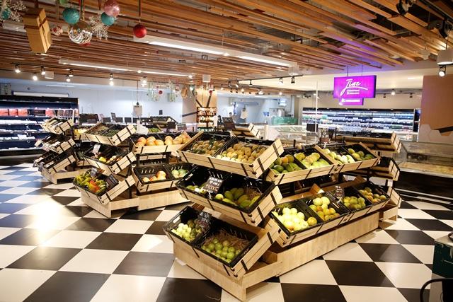 Bon Grocer chinh phục khách hàng bởi sự đa dạng của các loại trái cây và rau củ tươi.