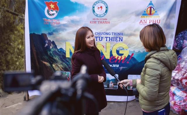 """Hoa khôi  Doanh nhân Lan Phương mang """"cái ấm"""" cho trẻ em vùng cao - Ảnh 2."""
