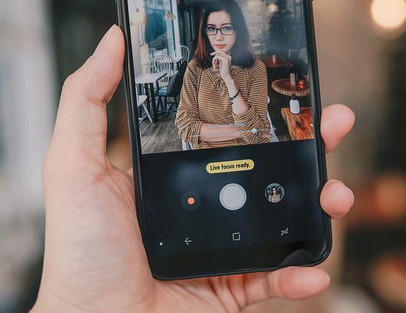 Thị trường Smartphone tầm trung 2018 – niềm tin của người dùng lên ngôi - Ảnh 1.