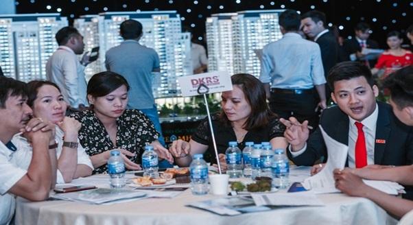 Căn hộ tầm trung dẫn đầu thị trường BĐS 2018 - Ảnh 1.